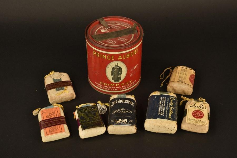 Boite métallique de tabac Prince Albert