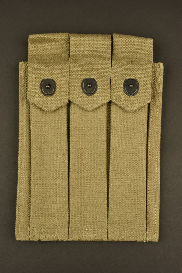 Pochette porte chargeur de pistolet mitrailleur Thompson