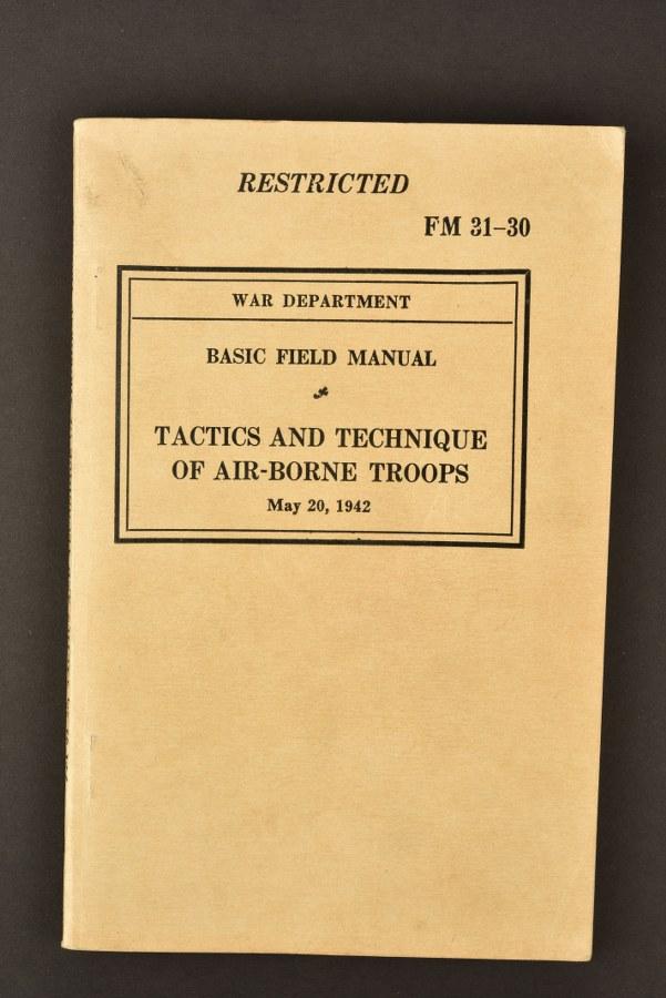 Livret FM 31-30 Tactics and Technique of Airborne Troops