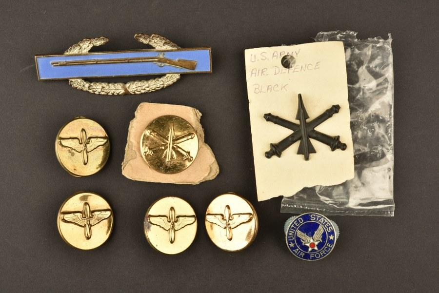 Ensemble d'insignes métalliques US Air Force