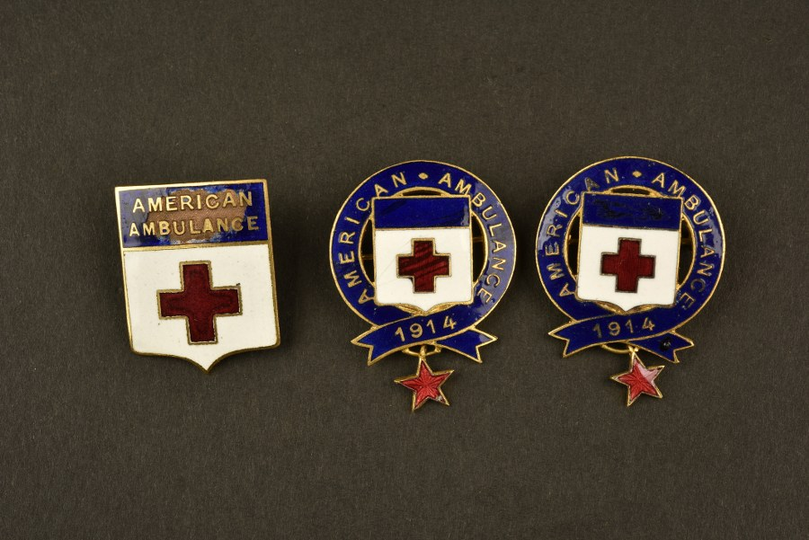 Insignes de la Croix Rouge Américaine