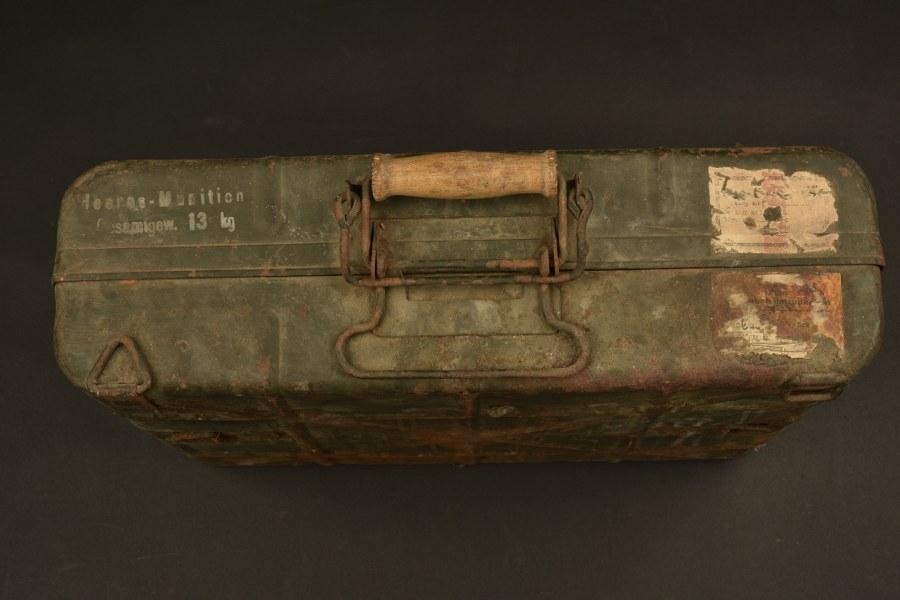 Caisse de grenade à manche