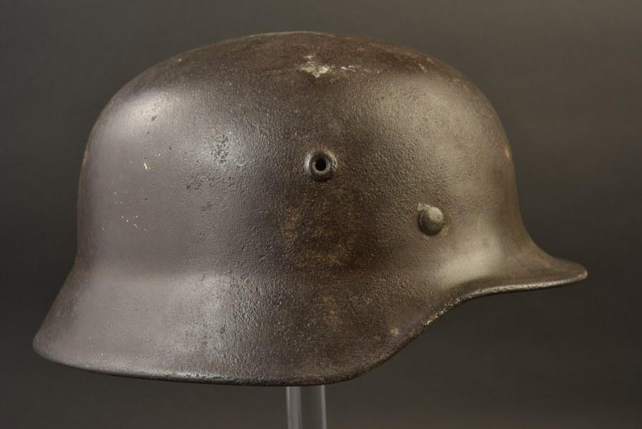 Coque de casque SS provenant de Normandie