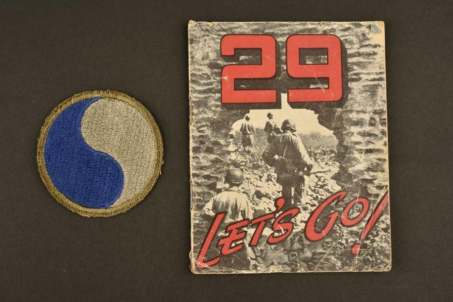 Livret et insigne de la 29ème DI US