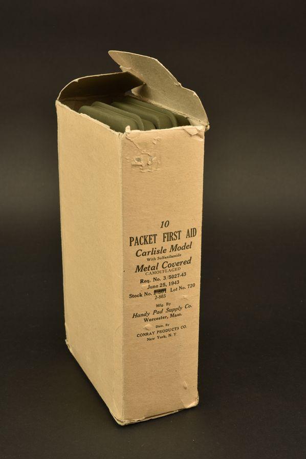 Pansements individuels US en carton d'origine