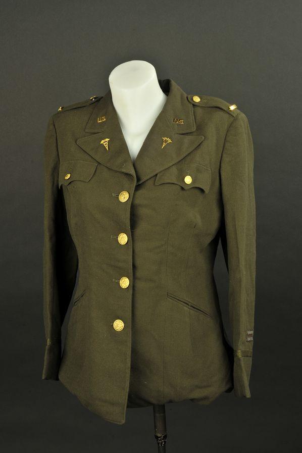 Vareuses du Lieutenant Florence S Fineman des auxiliaires féminins de l'US ARMY