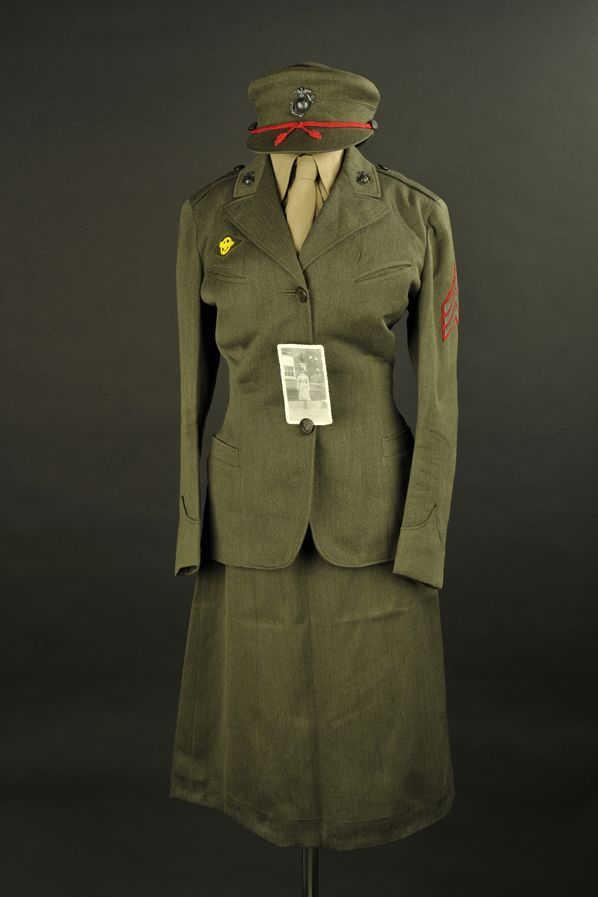 Uniforme de l'auxiliaire féminin USMC Nila Temple