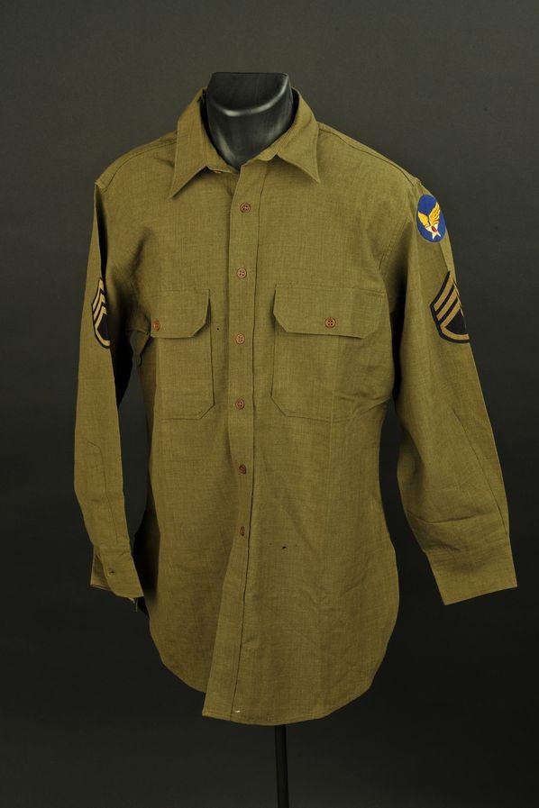 Chemise moutarde de sergent-chef de l' US Air Force