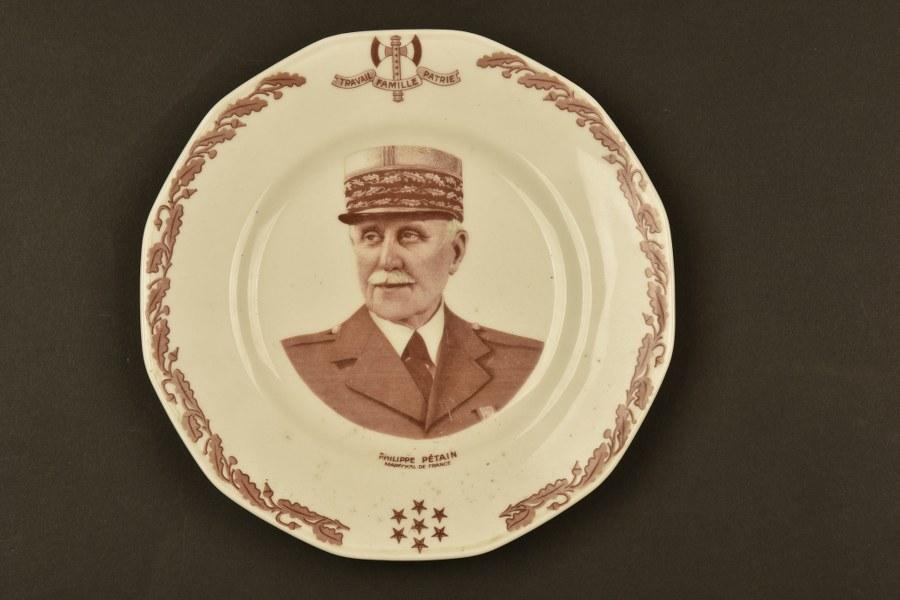 Assiette à l'effigie du Maréchal Pétain