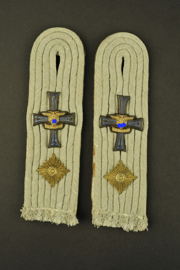 Pattes d'épaule d'Oberleutnant Stalingrad