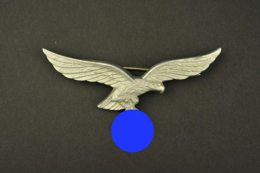 Aigle de poitrine métallique de la Luftwaffe