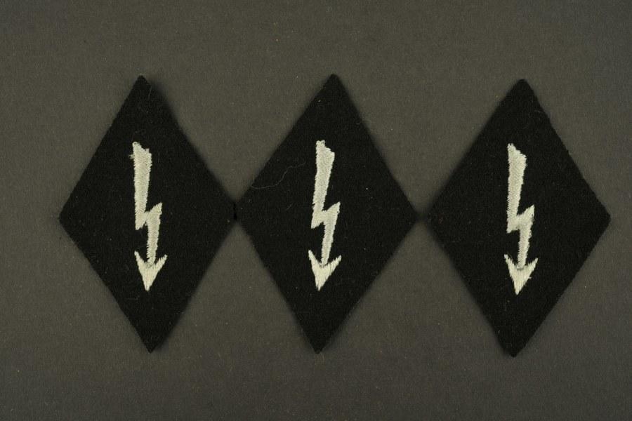 Ensemble d'insignes de manche de Funker de l'infanterie de la Waffen SS