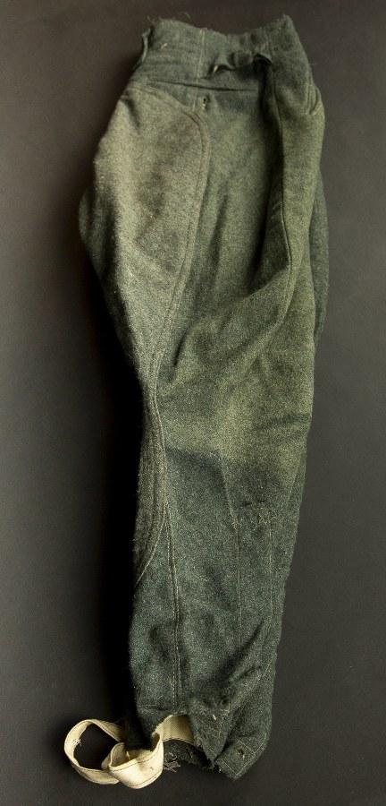 Culotte de cheval en drap ortie