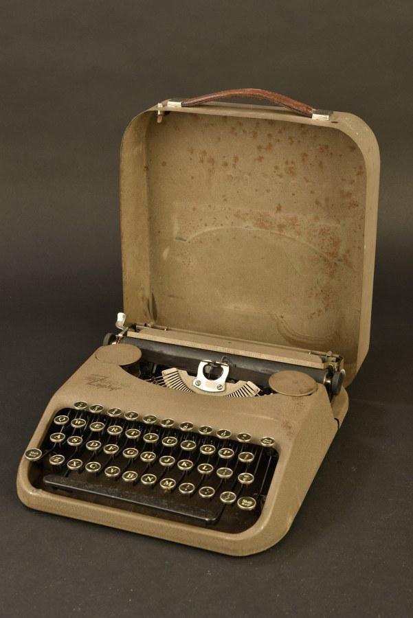 Machine à écrire Corona Zephyr