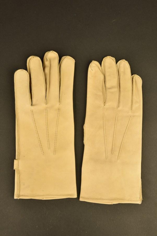 Reproduction de gants de cavalerie