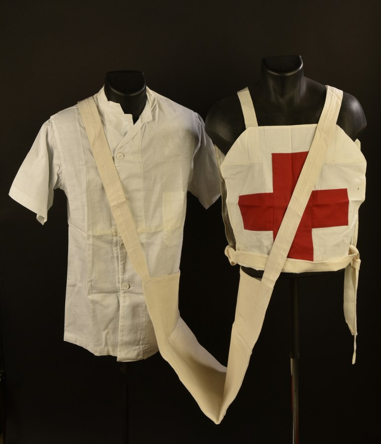 Ensemble de pièce d'uniforme du Medical Corps