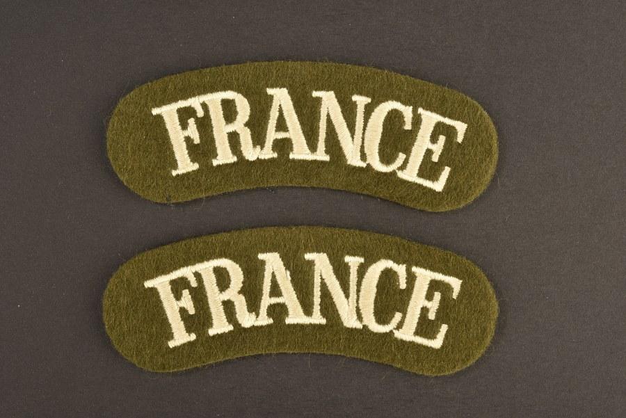 Reproduction d'une paire de title France