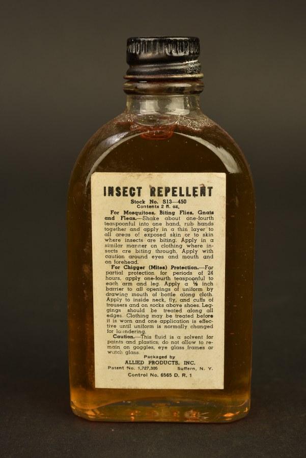Flacon de produit anti-moustique