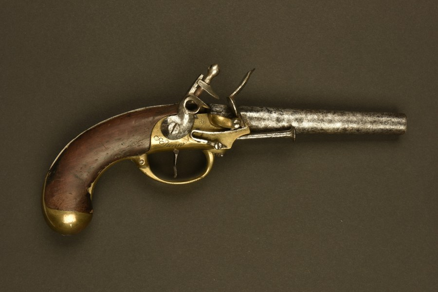 Pistolet réglementaire français 1777 du modèle sans crochet de ceinture
