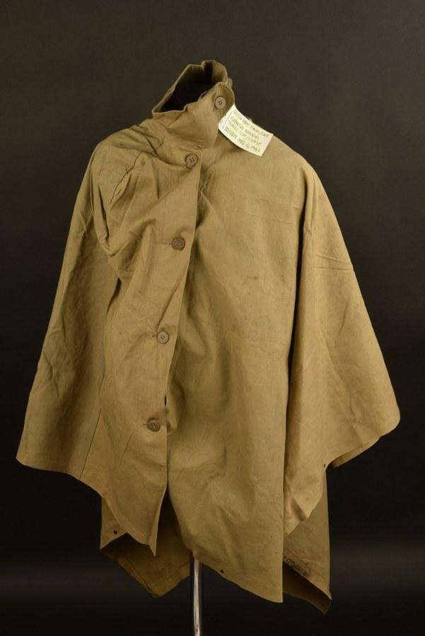 Poncho britannique. British Army Poncho cape
