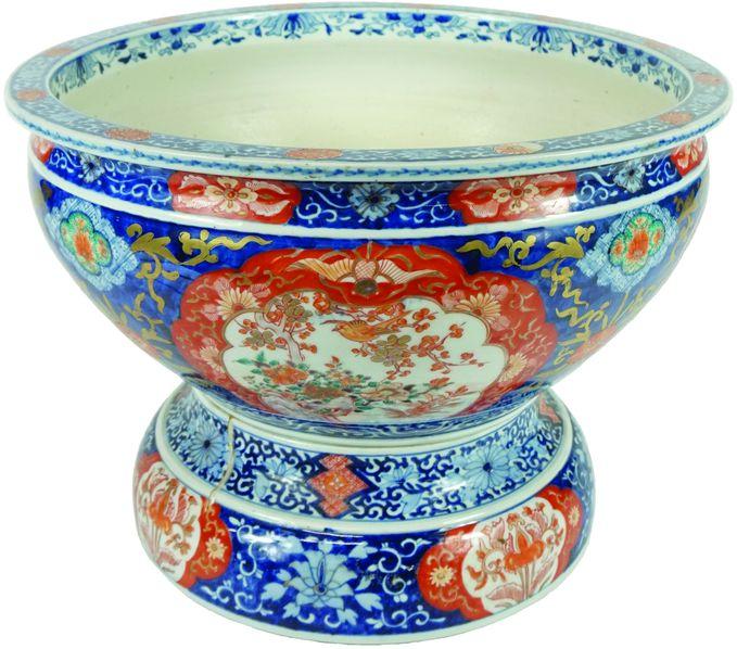 Bassin en porcelaine Imari.
