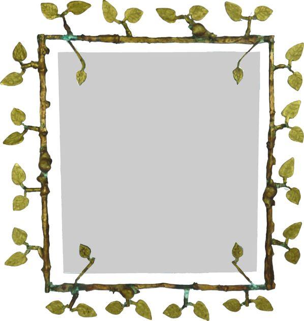 Miroir à décors de feuilles et d'escargots.
