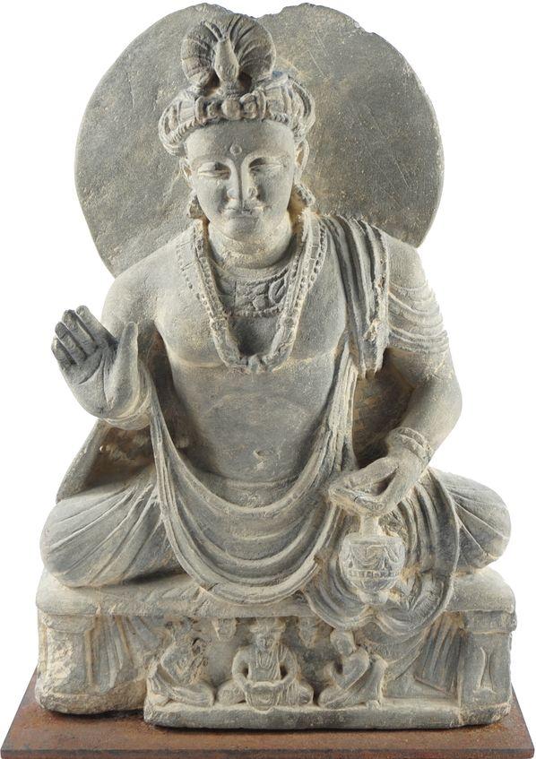 Sculpture de bodhisattva en schiste gris.