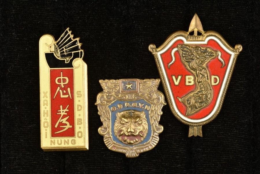 Ensemble d'insignes divers Extrême Orient/Tonkin