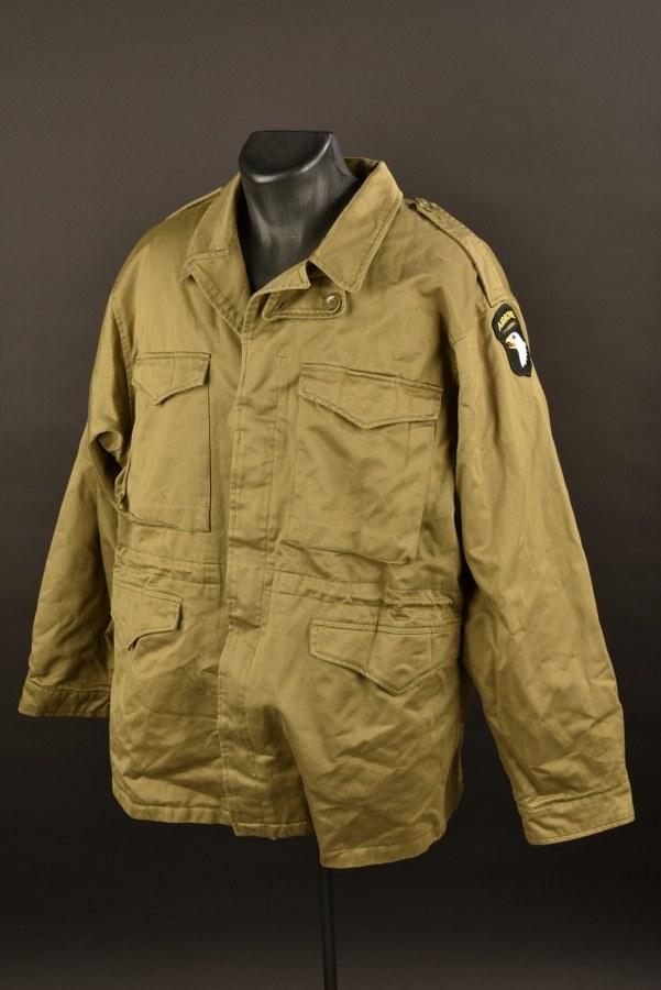 Reproduction d'une veste M-1943  de parachutiste US