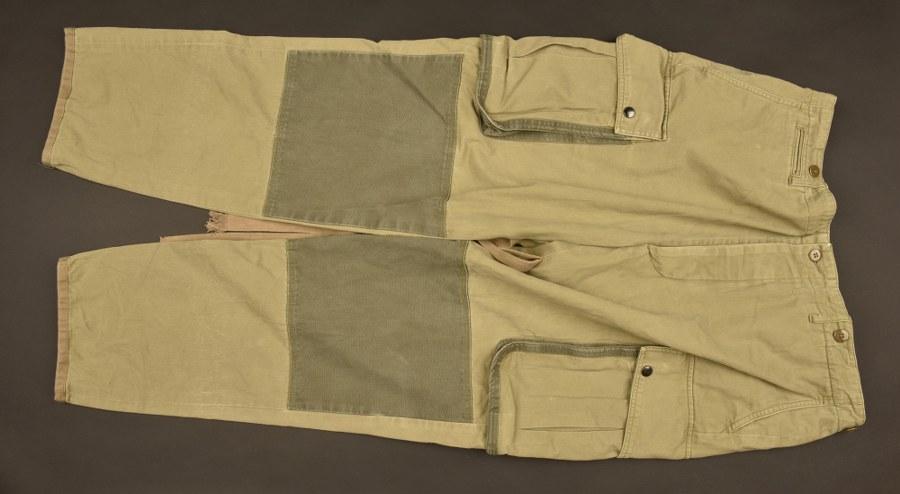 Reproduction d'un pantalon de saut à renfort
