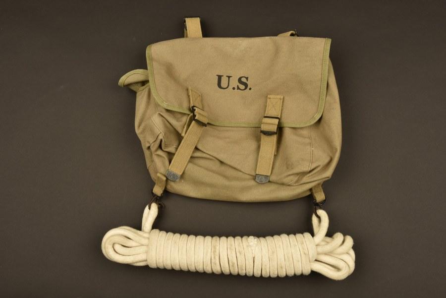 Reproduction d'équipement parachutiste US