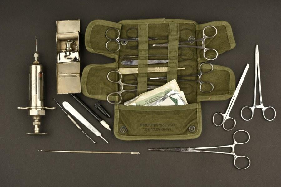 Ensemble d'instruments chirurgicaux US