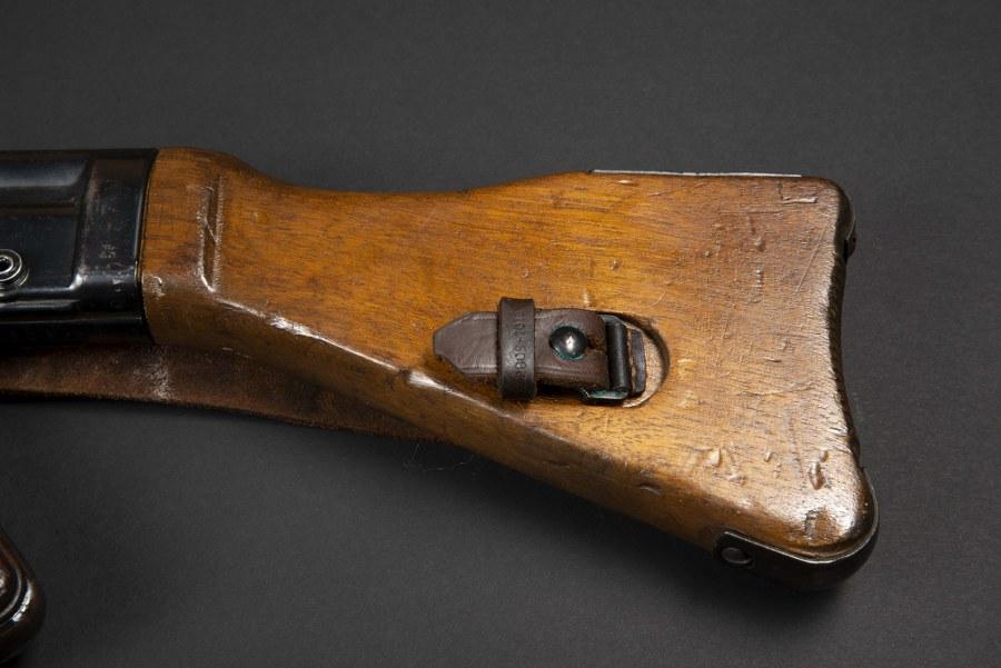 Pistolet mitrailleur MP 44. Catégorie C9