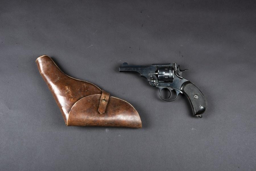 Pistolet Webley Mark V. Catégorie C9