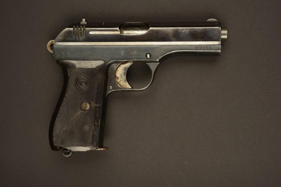 Pistolet Modèle 27. Catégorie C9