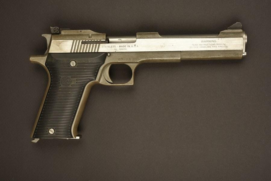 Pistolet USA AMT. Catégorie C9