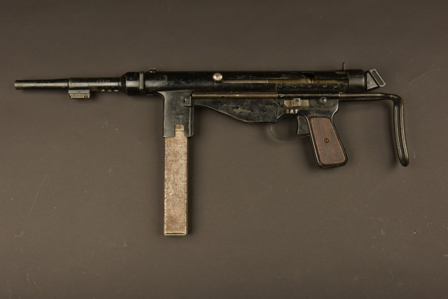 Pistolet mitrailleur portugais FBP M/49. Catégorie C9