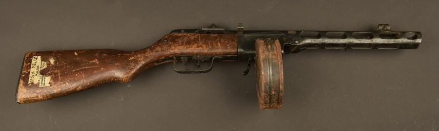 Pistolet mitrailleur PPSH. Catégorie C9