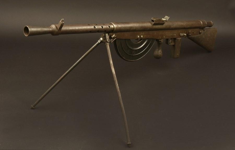 Fusil mitrailleur Chauchat 15. Catégorie C9