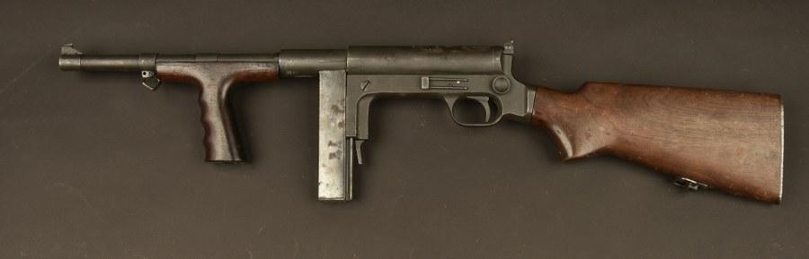 Pistolet mitrailleur USA Marlin UD 42. Catégorie C9