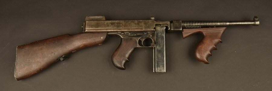 Très rare pistolet mitrailleur Thompson Mdl 1921. Catégorie C9
