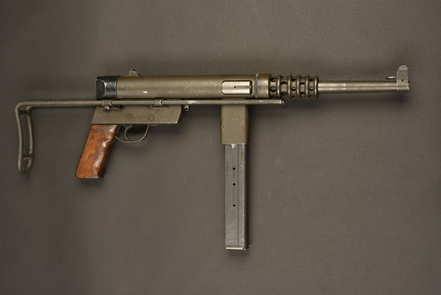 Pistolet mitrailleur GEVARME. Catégorie C9
