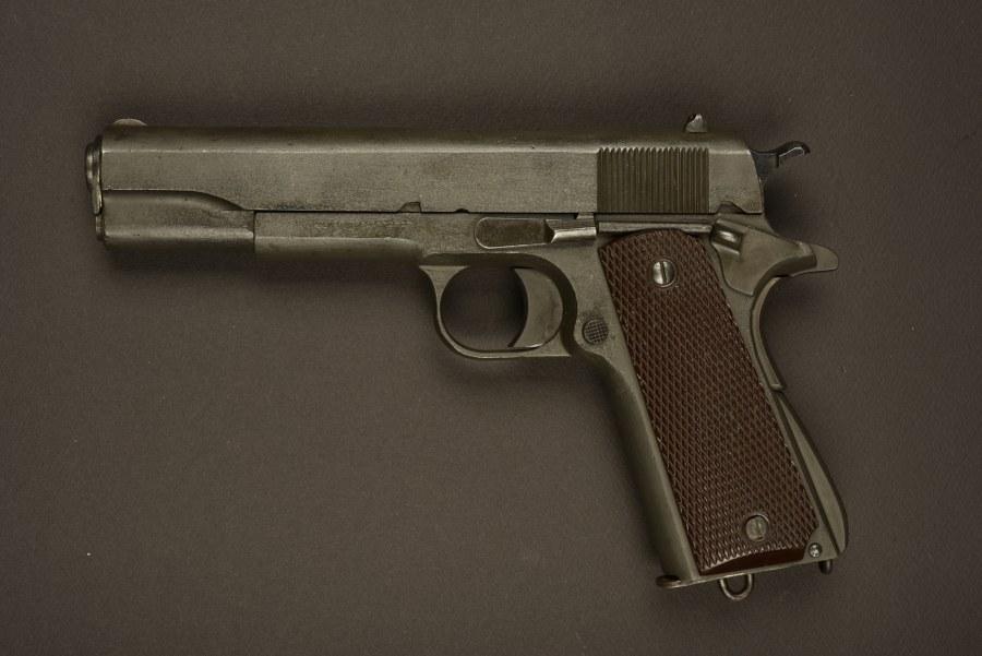 Colt 45 utilisé dans le film le Jour le Plus Long Catégorie C9