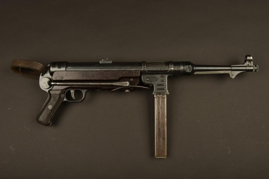 Pistolet mitrailleur MP 40 notamment utilisé dans le film Papy fait de la Résistance. Catégorie C9.