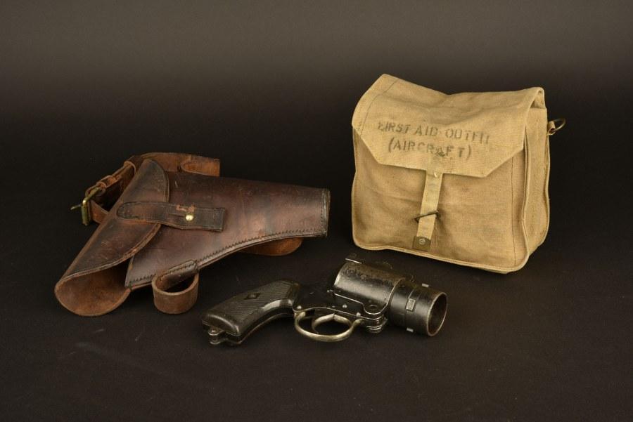 Accessoires utilisés par Tom Hardy dans le film Dunkerque