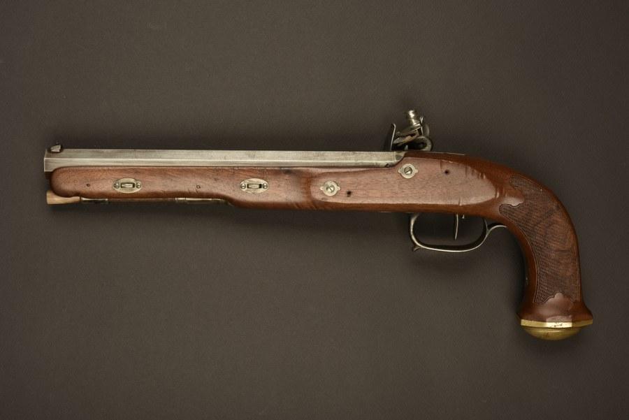 Reconstitution d'un pistolet Boutet utilisé par Vincent Cassel dans le film l' Empereur de Paris