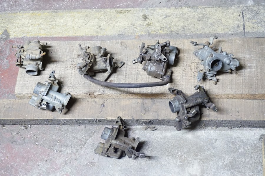 Lot de 7 carburateurs de démontage SOLEX 19, 22, 26BCI et ZENITH type IN.