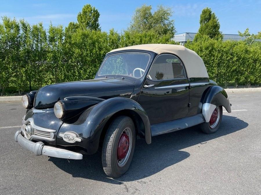 Panhard Dyna X86 cabriolet.