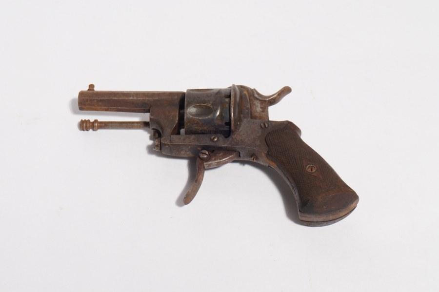 Revolver Bulldog.