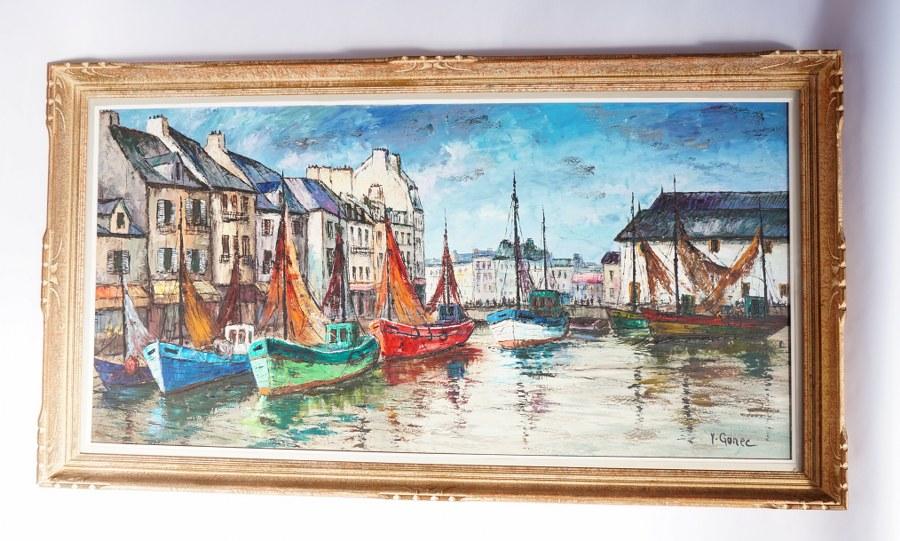 Yves GONEC (XXe). Vue du port d'Honfleur avec voiliers. Huile sur toile signée. Seconde moitié du XXe siècle. Vue : 118 x 59,5 cm.